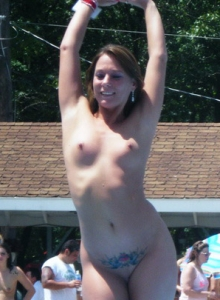 Free Amateur Topless Pictures Of Girls With Big Tits And Small Tits From Gnd Pass - Picture 3
